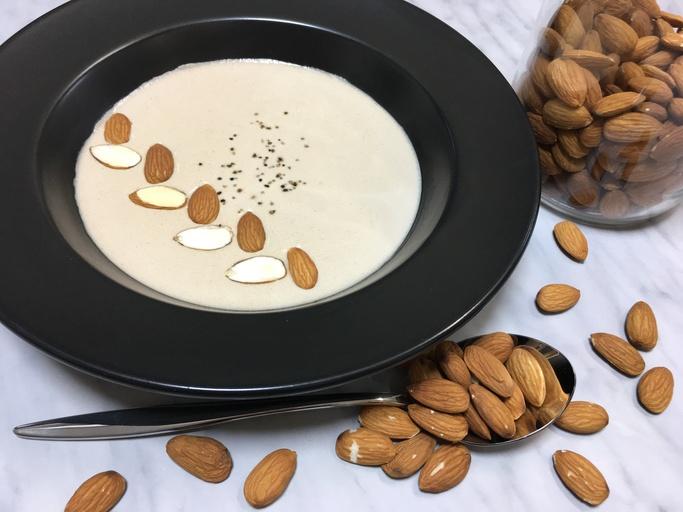 栄養素の宝庫!ナッツごとの特徴を知ろう!手作りナッツミルクのレシピ付き。
