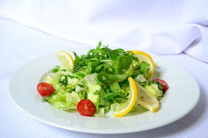 生野菜で健康美人に。ローフードで簡単体内デトックス