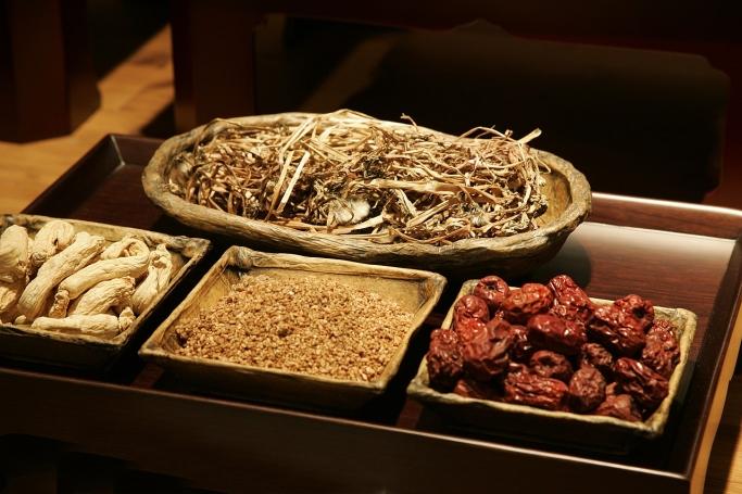 冬の不調には黒い食べ物が効果的?東洋医学に学ぶ冬の乗り切り方
